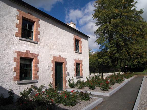 castletowngh-facade